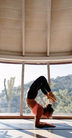 Yoga Poses & Workout : Live in possibility.