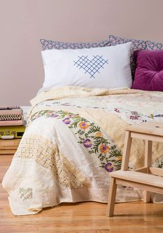 Guest Sweet Quilt in Queen/King, My Room, Dorm Room, Guest Bed, Guest Room, Cozy Corner, Modcloth, Decoration, Home Gifts, Vintage Decor