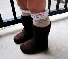 Toddler girl lace boot socks, leg warmers, brown, light brown, little girl fashion. - looks easy to make! Little Doll, My Little Girl, My Baby Girl, Toddler Girl Style, Toddler Fashion, Kids Fashion, Toddler Girl Boots, Fashion Ideas, Little Fashionista