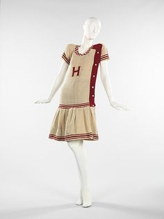 1916 woolen bathing suit, American.  This one must be mine.  (Acknowledgments to www.metmuseum.org)