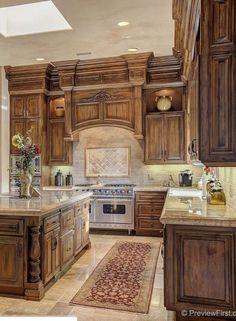 36 Mediterranean Kitchen Design to Redefine the Luxury of Your Kitchen Tuscan Kitchen Design, Rustic Kitchen Design, Tuscan Design, Home Decor Kitchen, Interior Design Kitchen, Tuscan Kitchens, Kitchen Ideas, Kitchen Designs, Tuscan Style