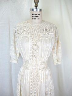 1900s Lingerie Dress Tea Dress, Victorian Edwardian Fine Cotton Lace Embroidery Antique Wedding Dres