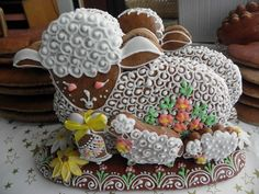 velikonoce,,gingerbread Easter lamb ooh- gingerbread- now that's an idea!