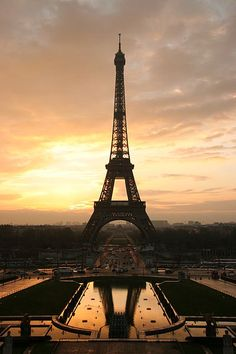 sunrise @ The Eiffel Tower (France)