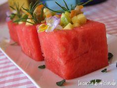 la cocina de aficionado: Cubiletes de sandía rellenos de vinagreta de mango y berberechos