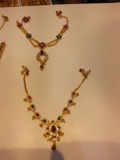 Vanki Designs Jewellery, Gold Mangalsutra Designs, Gold Bangles Design, Gold Jewellery Design, Ruby Necklace Designs, Mango Necklace, Gold Necklace, Short Necklace, Drop Necklace