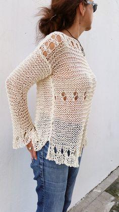 Loose cream sweater for women hand knit pullover por EstherTg