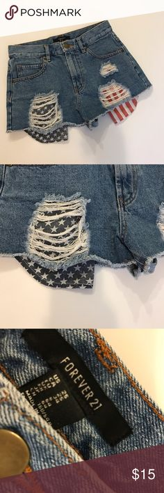 Forever 21 Denim Shorts Excellent condition! No Damage or extreme signs of wear! For the best price, bundle these babies!!! ❤️😊🍍 Forever 21 Shorts