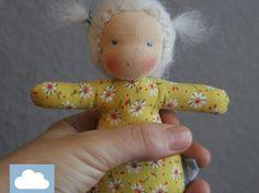 Mini Waldorfpuppe Sunny - 12cm