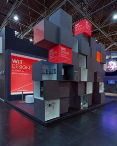 Kiosk design Cool for retail or convention design. Stand Wit Design - Euroshop 2011 by Wit Design, via Behance Exhibition Stand Design, Exhibition Stall, Exhibition Display, Kiosk Design, Display Design, Retail Design, Store Design, Design Stand, Box Design