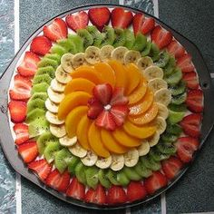 ideas fruit platter designs presentation cheese plates for 2019 Pizza Fruit, Dessert Pizza, Pizza Pizza, Fruit Buffet, Fruit Dishes, Fruit Tables, Fruit Trays, Fruit Recipes, Pizza Recipes