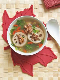 Teczcape-An Escape to Food: Lotus Root and Walnut Soup,桃仁莲藕汤