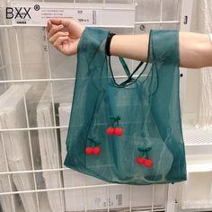 Latest handbag styles for girls Shopping Bag Design, Summer Chic, Spring Summer, Transparent Bag, Striped Bags, Womens Fashion Online, Cloth Bags, Cute Woman, Handmade Bags