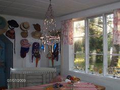 """kristallikruunu "" Windows, Places, Summer, Summer Time, Ramen, Lugares, Window"