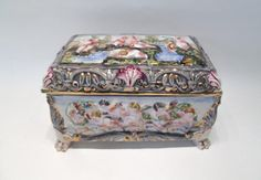 SIGNED CAPODIMONTE PORCELAIN JEWELRY BOX, having h Lot 566