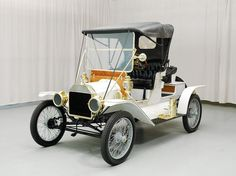 AutoTrader Classics - 1912 Ford Model T Convertible White | Antiques | St.Louis, MO