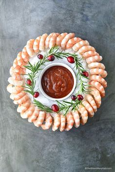 Easy Holiday Shrimp Ring   shewearsmanyhats.com   Hosting a holiday gathering? Check out these easy holiday appetizers. @Walmart #sponsored #RockThisChristmas #LiveBetter   shewearsmanyhats.com