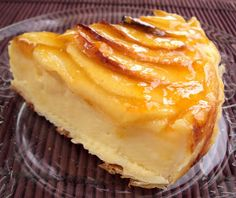 Nárwen's Cuisine - Sabores do Mundo : Tarte de Maçã Francesa Food Cakes, Cupcake Cakes, Cupcakes, Apple Recipes, Cake Recipes, I Love Food, Good Food, Sweet Cooking, Custard Cake