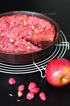 Gâteau aux pommes fondantes et pralines roses - www.Puregourmandise.com