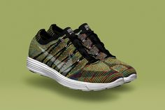 NIKE HTM FLYKNIT TRAINER+ (MULTICOLOR)