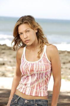 "Lost S3 Kiele Sanchez as ""Nikki Fernandez"""