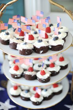 Flag topped: http://www.stylemepretty.com/2015/07/01/10-most-patriotic-wedding-cupcakes-for-fourth-of-july/
