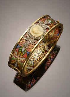 Art Nouveau 18-karat yellow-gold, platinum, diamond, plique--jour and cameo bangle Bracelet by Masriera y Carreras.