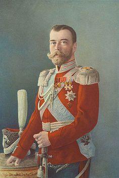 Nicolás II. —No estoy preparado para ser zar, nunca quise serlo. No sé nada del arte de gobernar, ni siquiera sé la forma en que debo hablar a los ministros....