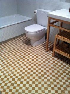 Baldosas hidráulicas en baños - lavabo madera