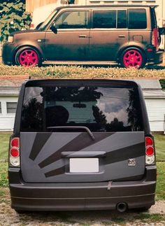 Dip your toaster! Diphead Danny transformed his ride with matte black and a cool grey design on the hatch.