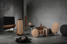With Milan Design Week 2019 well underway, the influx of new design arrivals is coming thick and fast. Notably, luxury tech brand, Bang & Olufsen have unveiled a selection of new arrivals that will complete their iconic Bronze Collection. Fall Home Decor, Autumn Home, Cheap Home Decor, Home Tech, Home Speakers, Bang And Olufsen, Interior Decorating, Interior Design, Interior Paint