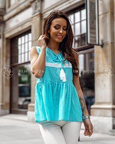 Krásna blúzka v tyrkysovej farbe vo veľkosti UNI, vhodné pre S, M Uni, Modeling, Blouse, Women, Fashion, Moda, Modeling Photography, Fashion Styles, Blouses