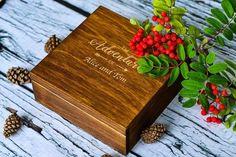 Πρωτότυπα δώρα για ζευγάρια ξύλινο κουτί αναμνήσεων Personalised Memory Box, Personalized Valentine's Day Gifts, Wooden Keepsake Box, Keepsake Boxes, Memories Box, Adventure Gifts, Adventure Travel, Anniversary Gifts For Couples, Gifts For Your Boyfriend