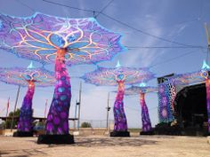 Giant UV emitting trees for body paint parties/ballS/events Stage Design, Event Design, Dj Pult, Psychedelic Decor, Trance, Parc A Theme, Light Installation, Art Installations, Magical Tree