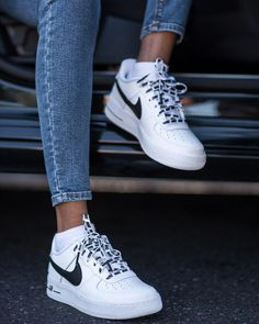 buy online 7dd30 4441c Trendy Sneakers 2018   Nike Airforce Sneakers of the Month Pose   Repeat