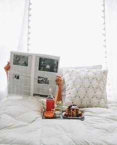 Breakfast in Bed ✖️MORNINGS // Muse by Maike // http://musebymaike.blogspot.com.au  Instagram: @musebymaike  #MUSEBYMAIKE