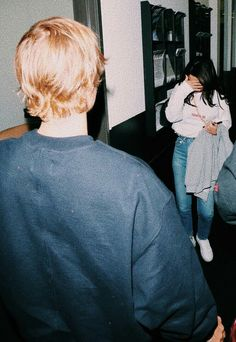 Justin Bieber e Selena Gomez Justin Love, Justin Bieber Selena Gomez, Justin Bieber And Selena, Love Will Remember, Selena Gomez Outfits, Justin Bieber Wallpaper, Cutest Couple Ever, Just Girly Things, Marie Gomez