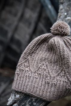 This pattern can be found in issue 3 of Laine Magazine.