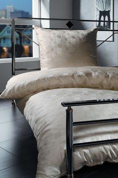 silk-bedding-cellini-design-seidenbettwaesche-079 #Silk bedsheet and duvet cover made in Germany by #Cellini Design. #Seidenbettwäsche aus reiner #Seide von #Spinnhütte Cellini Design aus Deutschland.