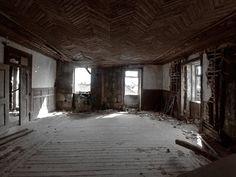 ruin'arte: Casa do Passal - Cabanas de Viriato / Carregal do Sal  http://ruinarte.blogspot.com.br/2010/07/casa-do-passal-cabanas-de-viriato.html