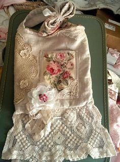 https://www.pinterest.com/oliv60/altered-lace-purses/