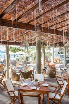 Set in Cala Nova bay, Aiyanna Ibiza in the North of Ibiza is a stylish, laidback-luxe beach club & beach restaurant in one. Beach Restaurant Design, Ibiza Restaurant, Outdoor Restaurant, Restaurant On The Beach, Restaurant Guide, Ibiza Beach Club, Beach Cafe, Outdoor Lounge, Deco Nature