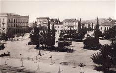 Η πλατεία Ομονοίας, στη νοτιοδυτική της πλευρά, το 1890. Φωτογραφία Αφοι Ρωμαΐτη
