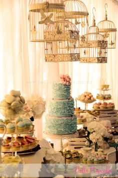 vintage wedding - dessert table