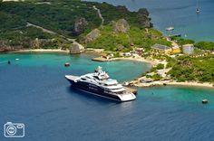 Megajacht Serene van 320 miljoen dollar op Curacao