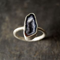 Etsy の Grey Lavender Geode Ring in Sterling Silver by anatomi
