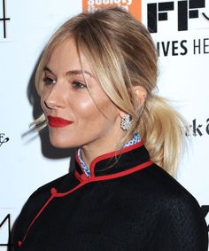 New hairstyles long bangs sienna miller Ideas Ponytail Hairstyles, Hairstyles With Bangs, Trendy Hairstyles, Sienna Miller Hair, Blonde Hair Looks, Long Bangs, Hair Today, Balayage Hair, New Hair