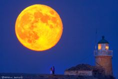 In love under the Moon by Bill Metallinos on 500px