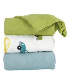 These lush blankets keep your little one smiling with their bright designs and ultrasoft fabric that's cozy yet breathable and the perfect size for wrapping up tiny ones.Includes three blankets47'' x  47''100% viscose from bambooMachine wash; tumble dryImported