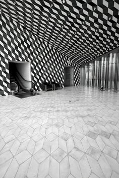 Casa da Música, Rem Koolhaas, Porto love this! Rem Koolhaas, Oma Architecture, Architecture Details, Floor Design, Tile Design, Modern Flooring, Flooring Ideas, Porto Portugal, Floor Patterns